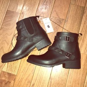 Shoes - Target Merona Mariela Rain Boot Size 6
